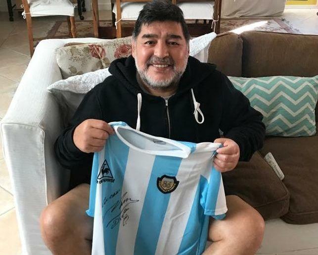 Maradona ayudará a Juventud