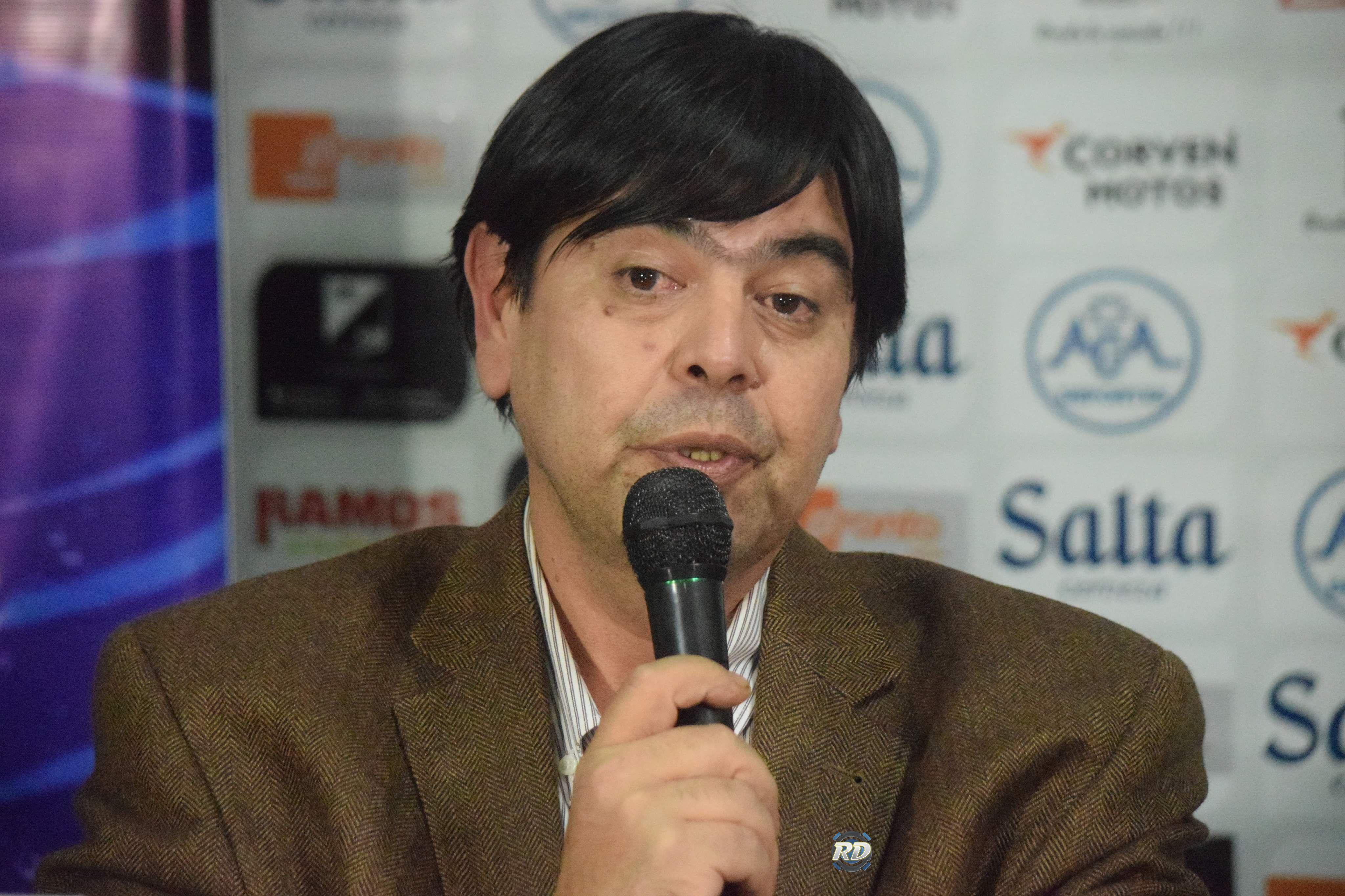 """Héctor D´ Francesco: """"Presentamos protocolos para la vuelta de la gente a la cancha"""""""